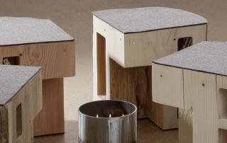 Vier Elemente Sitzmöbel und Tisch